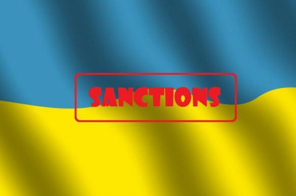 Береза: Суркиса нет в санкционном списке РФ, потому что он так и не стал украинцем
