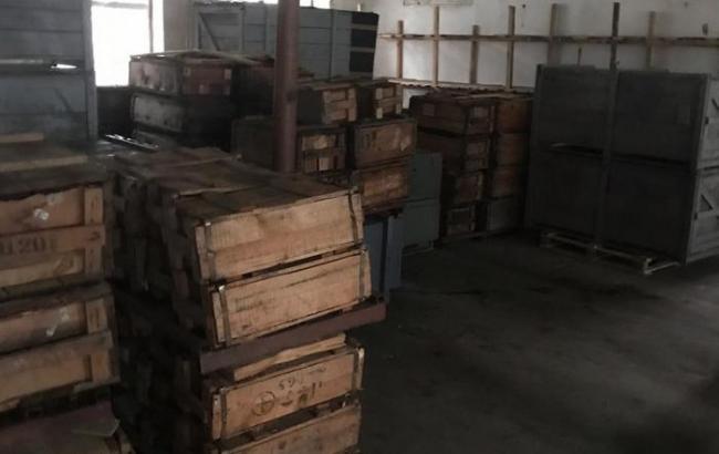 В Житомирской области обнаружили склады с краденым и контрабандным военным имуществом