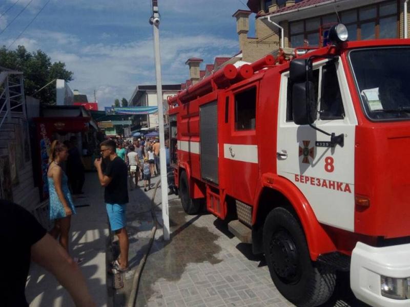 Взрыв и пожар в курортной зоне Коблево: пострадала женщина (ФОТО)