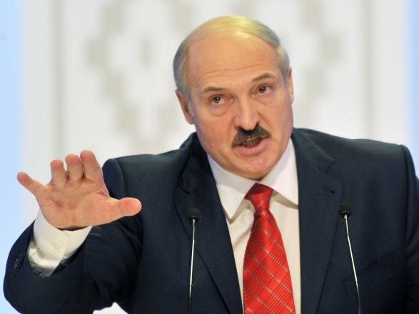 Осень обещаний: любезная дипломатия Лукашенко