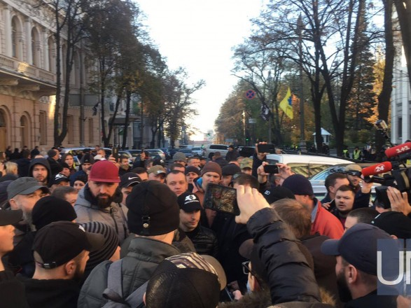 """""""Евробляхи"""" продолжают блокировать центр столицы и после принятия закона"""