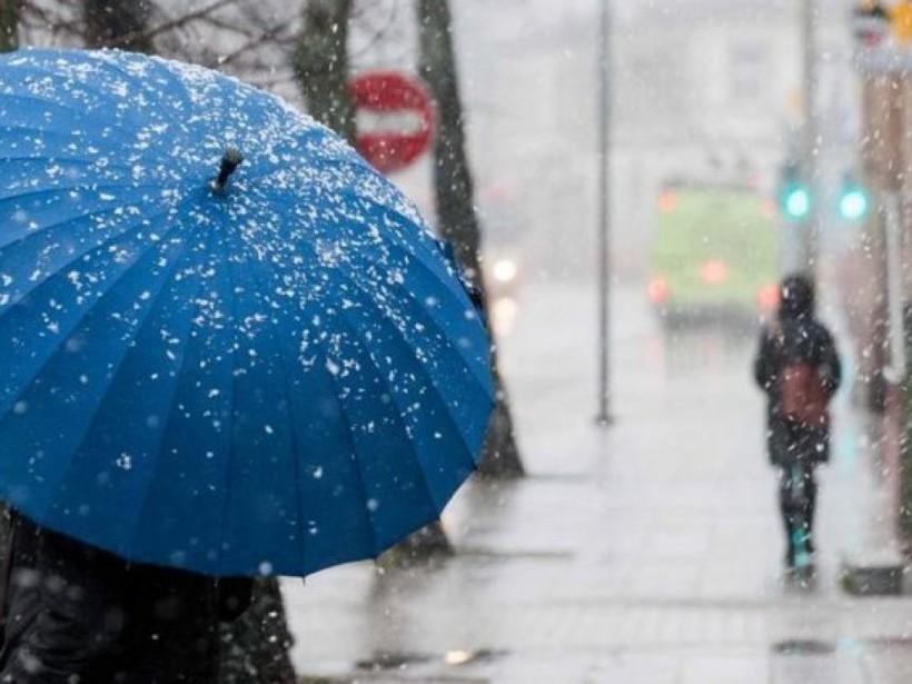 Синоптик:  Сегодня погода будет «некомфортной» со всеми «прелестями» глубокой осени (КАРТЫ)