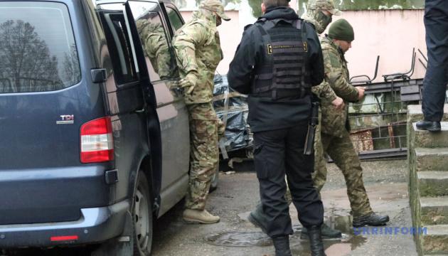 Украинские консулы в Москве пытаются получить доступ к пленным моряков