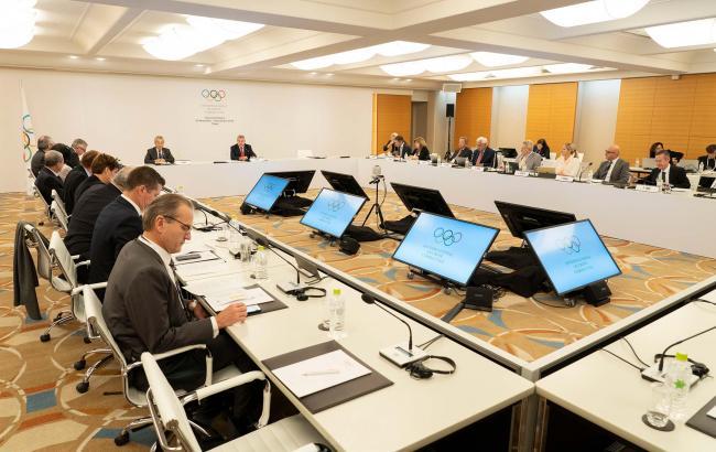 МОК заморозил планы по проведению турнира боксеров на Олимпиаде-2020
