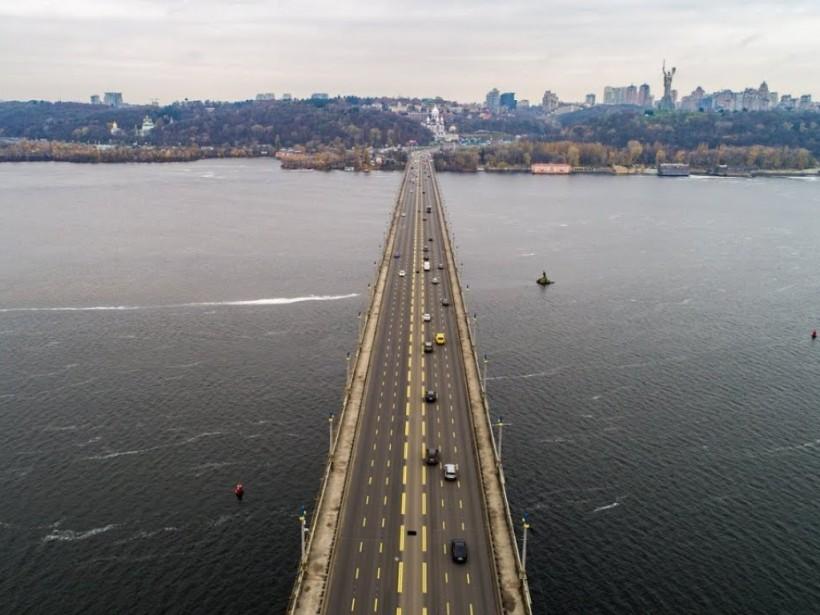 В 2019 году аварийный мост Патона расширят – депутат Киевсовета
