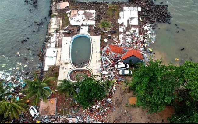 Количество жертв цунами в Индонезии превысило 220