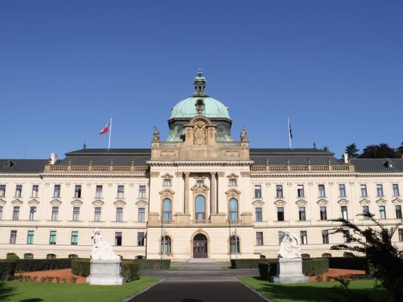 Парламент Чехии выступает за сохранение антироссийских санкций в прежнем объеме