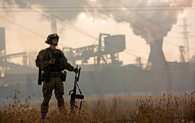 На Донбассе в результате обстрелов погиб один украинский военный