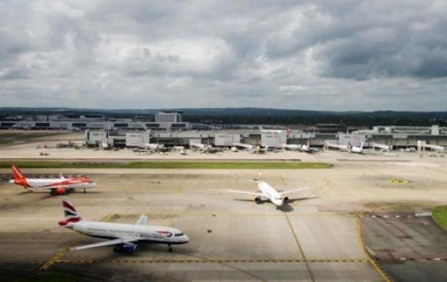 В Лондоне задержали двух подозреваемых во вторжении дронов в аэропорт