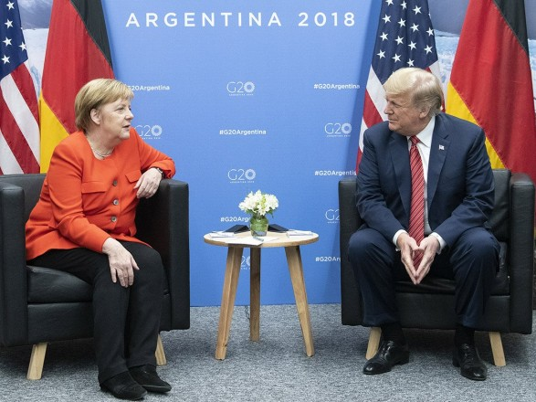 Меркель обсудила с Трампом эскалацию в районе Керченского пролива
