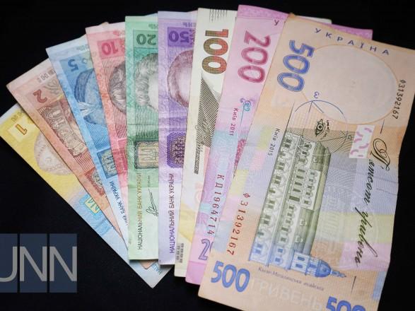 Полторак подписал указ об увеличении зарплат военным