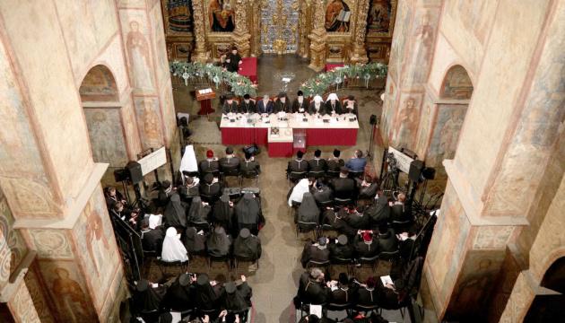 На пост предстоятеля Украинской поместной церкви было трое кандидатов