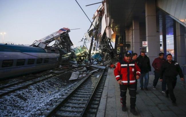В Анкаре столкнулись два поезда, есть погибшие
