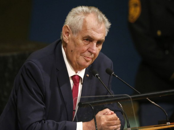 """Президент Чехии призвал официально выразить протест против возвеличивания """"военных преступников"""" в Украине"""