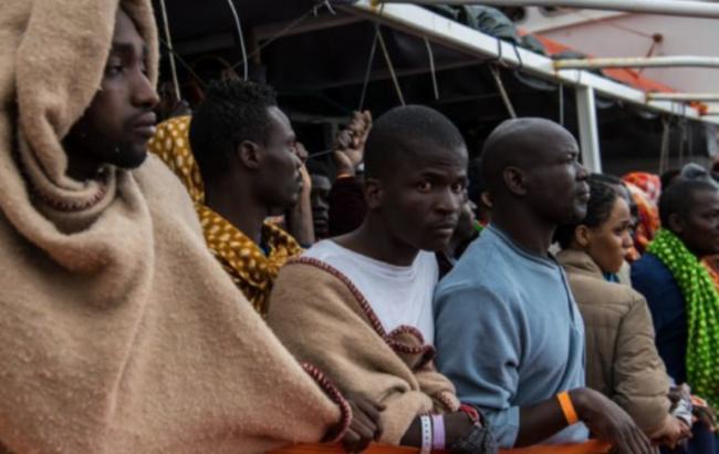 Италия закрыла порты для спасенных беженцев в Средиземном море
