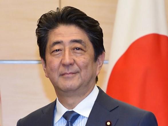 Премьер Японии Синдзо Абэ призвал лидеров США и КНР к сдержанности в торговых различиях - СМИ