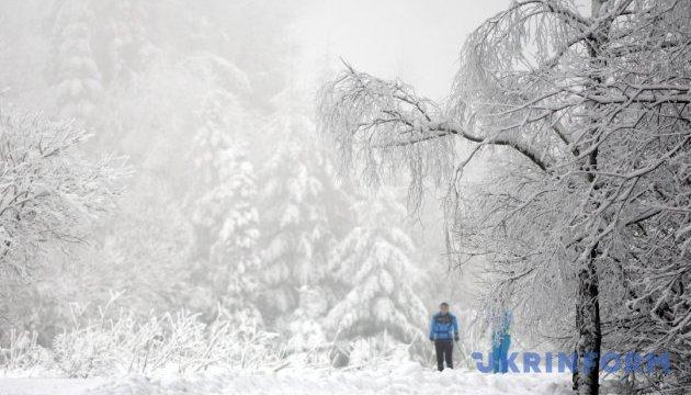 Спасатели дали советы, как выжить во время зимнего похода в горах