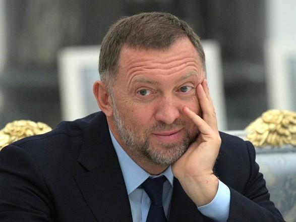В Конгрессе США требуют отложить снятие санкций с компаний российского олигарха