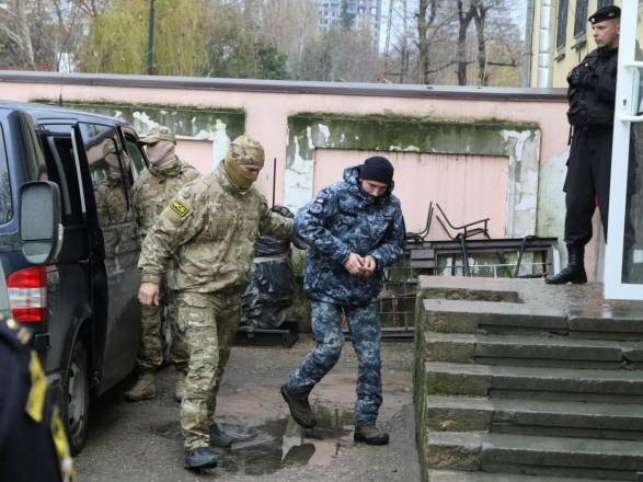 В Украине обсуждается вопрос поездки на суд по захваченных моряках