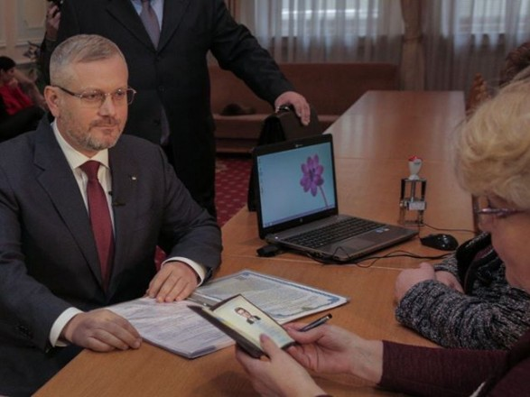 Вилкул подал документы в ЦИК для регистрации кандидатом в Президенты
