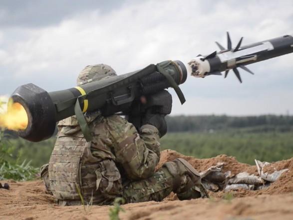 """После получения """"Джавелинов"""" на Донбассе прекратились танковые обстрелы"""