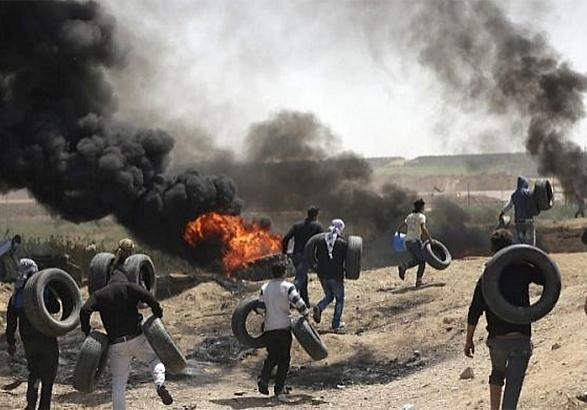 В столкновениях с израильскими солдатами на границе Газы ранены 20 палестинцев