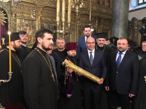 В ПЦУ объяснили присутствие Петровского на вручении Томоса