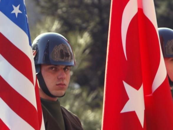 Переговоры США и Турции о буферной зоне на северо-востоке Сирии продолжаются - Госдеп