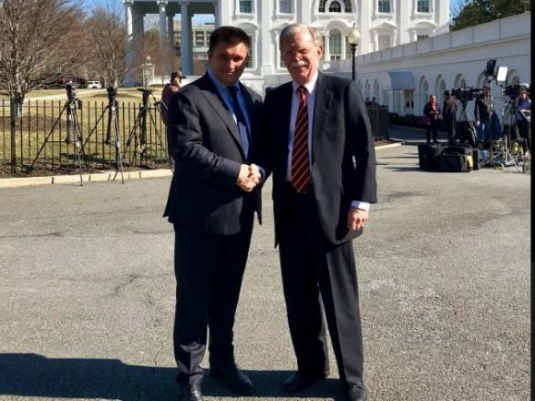 Климкин в США обсудил с Болтоном российское вмешательство в выборы