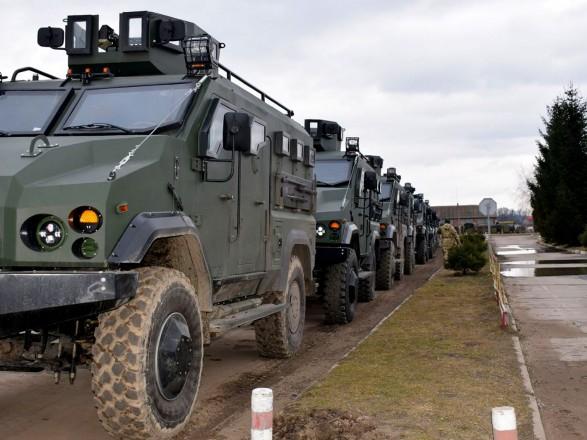 """Морские пехотинцы получили бронеавтомобили """"Варта"""""""