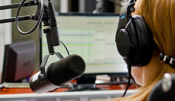 На украинском радио звучит 57% украиноязычных песен