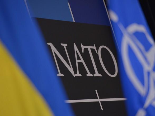 """В НАТО впервые в разделе """"Политика открытых дверей"""" вспомнили Украину"""