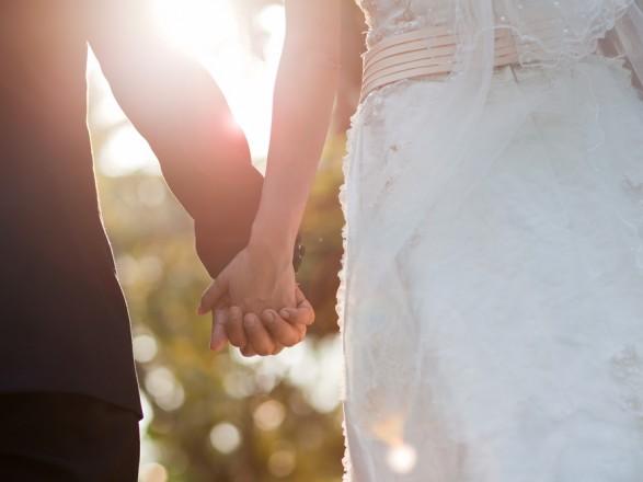 В Украине за год зарегистрировали свыше тысячи браков с несовершеннолетними