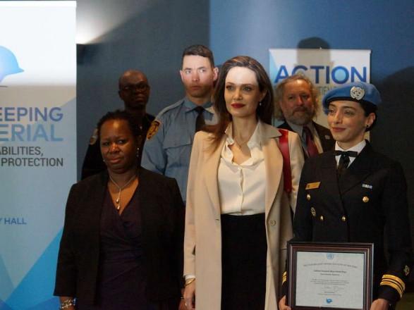 Анджелина Джоли призвала к увеличению количества женщин в миротворческих миссиях ООН