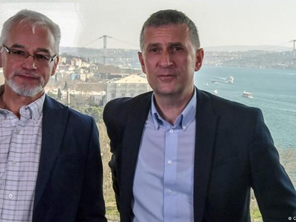 Лишенные аккредитации немецкие журналисты покинули Турцию