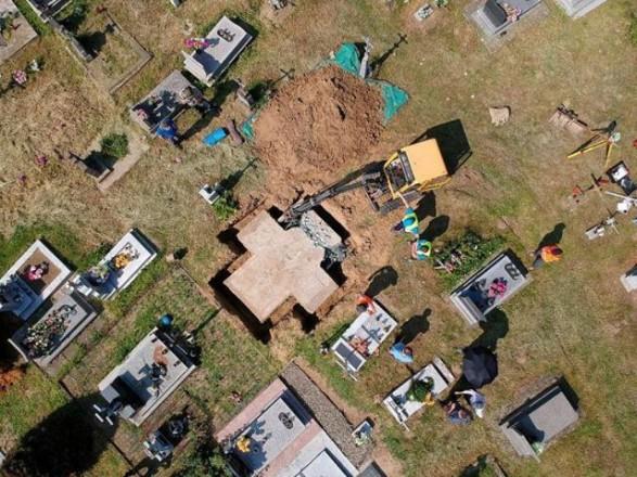 Восстановление украинских памятников в Польше до сих пор не начато - Вятрович