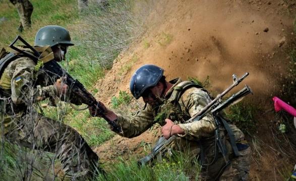 Россия может превратить войну на Донбассе в полномасштабную течение часа - Муженко
