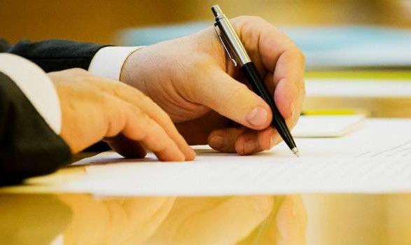 Порошенко пообещал подписать закон о языке