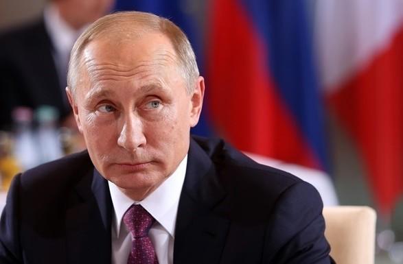 Путин стал зарабатывать гораздо меньше