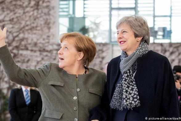 Тереза Мэй и Ангела Меркель обсудили отсрочки Brexit