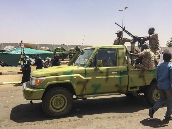 СМИ сообщают о возможном военном перевороте в Судане