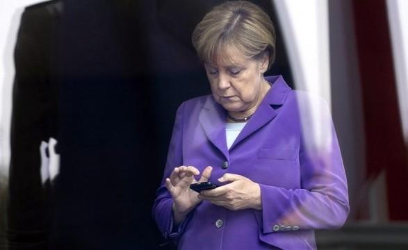 Меркель позвонила Зеленскому