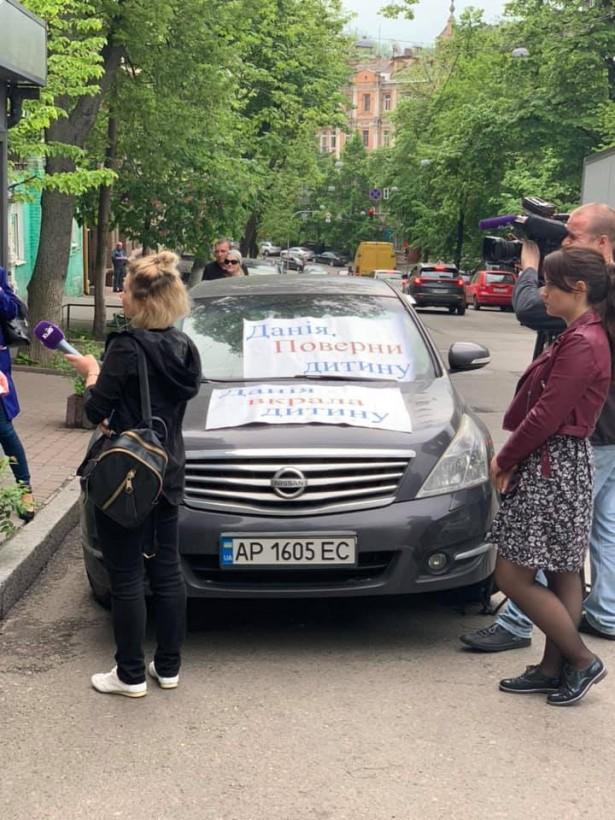 В посольстве Дании нашелся похищенный в Запорожье мальчик, в дело вмешался Климкин