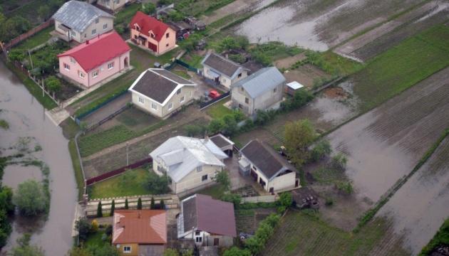 Зеленский подписал указ о ликвидаци последствий наводнения на западе Украины