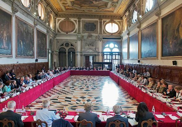 Венецианская комиссия не начинала исследовать языковой закон Украины