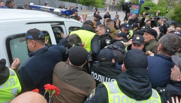Полиция зафиксировала 33 нарушения во время акций 9 мая