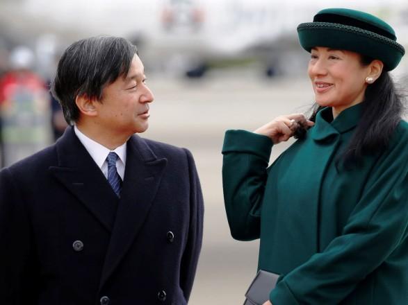 Новому императору Японии вручили символы его полномочий
