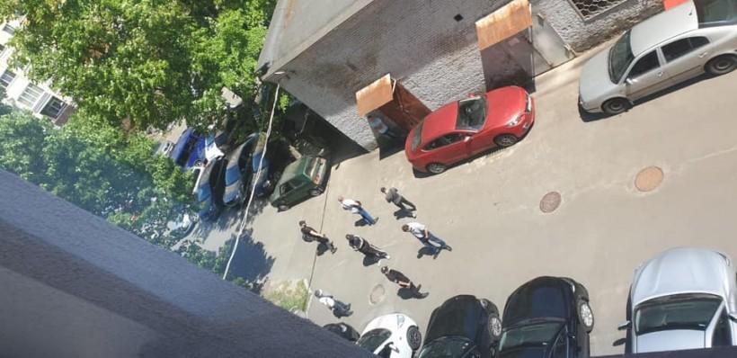 """ВККС заявляет о блокировании своей работы лицами """"спортивной внешности"""""""