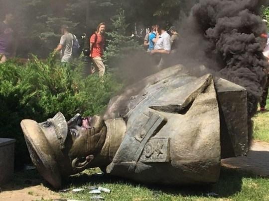 У Президента прокомментировали снос памятника Жукову в Харькове