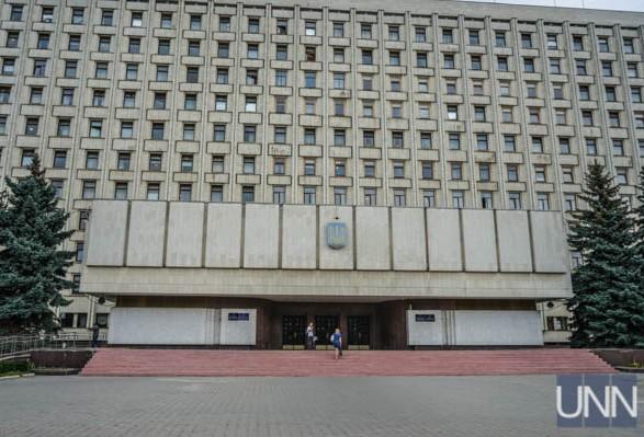 ЦИК зарегистрировала семь политических партий на внеочередных выборах в ВР